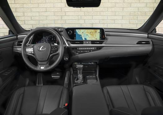 2019_Lexus_ES_014_576C4AA26B3F036ED1A65EA5E434582E60EADB90_low.jpg