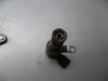 oil control valve.jpg