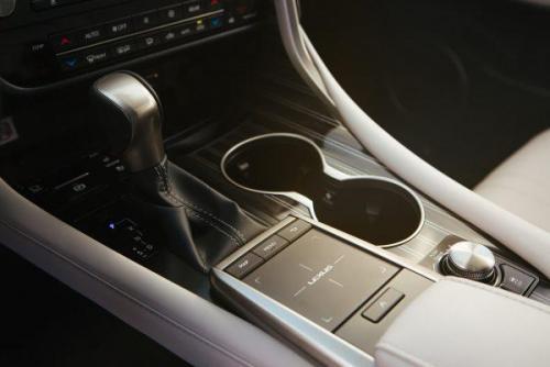 2020_Lexus_RX_450hL_16_0BC25A96F8C13A59D5201AD12FB94E9F10BC0F451-600x400.jpg
